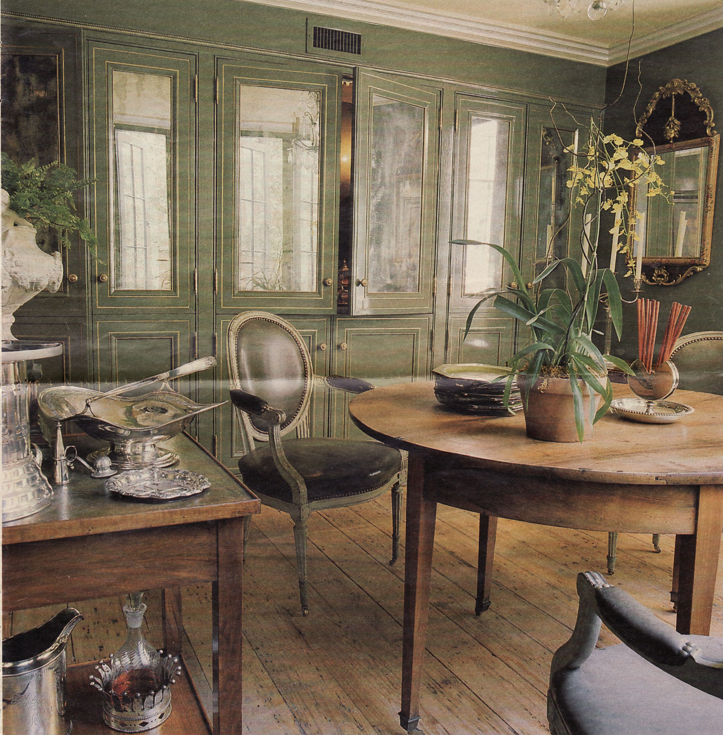 Gorgeous green rooms inspired by a bamboo forest - New orleans home decor stores property ...
