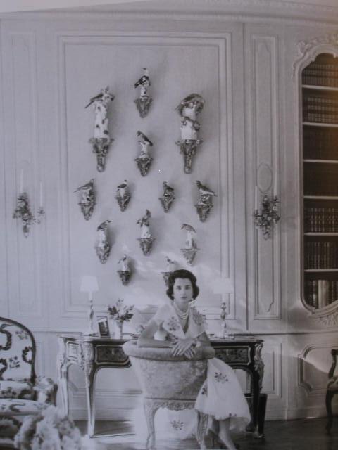 Ways To Display Porcelain On Brackets