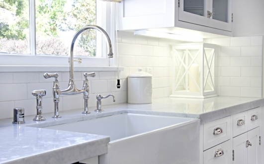 16257 Farmhouse Sink Perrin Rowe Bridge Faucet White