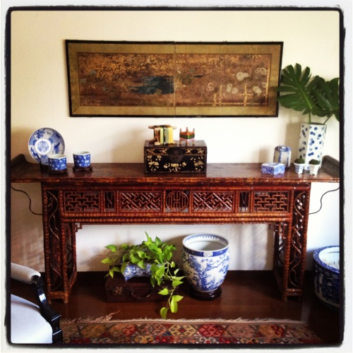 antique Chinese bamboo altar table byobu blue and white procelain
